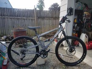 Gt i-drive 5 3.0 mountain bike for Sale in Lynnwood, WA