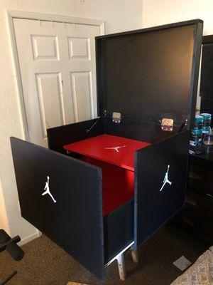 Jordan shoe box for Sale in Fresno, CA