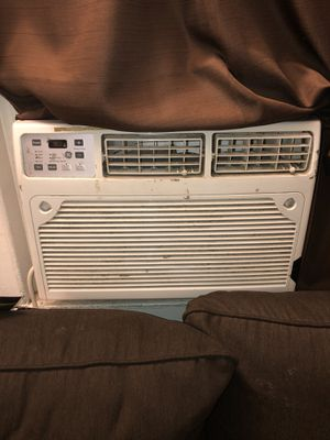 Window AC unit for sale for Sale in Miami, FL