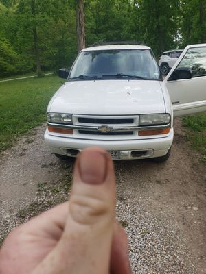2003 Chevy blazer 4x4 for Sale in Innsbrook, MO