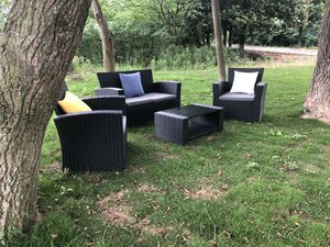 Outdoor Patio Furniture | Black ( pick up only) for Sale in DEVORE HGHTS, CA