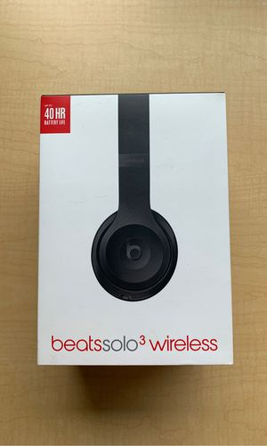 Apple Beats Solo 3 Wireless for Sale in Tacoma, WA