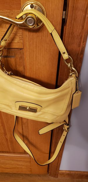 Coach leather bag for Sale in Fort Wayne, IN