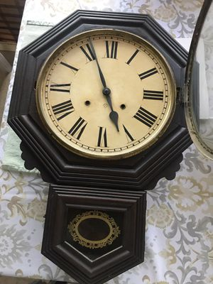 Round Antique wall clock for Sale in South El Monte, CA