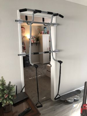 Pull up bar for Sale in Glendale, CA