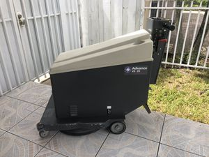 Advance vs 20 floor cleaner scrubber buffer works well / no charger for Sale in Miami Shores, FL