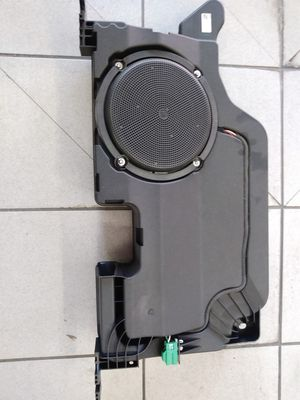 Ford F150 F250 F350 Subwoofer OEM Parte # JL3T19A067KC for Sale in Houston, TX