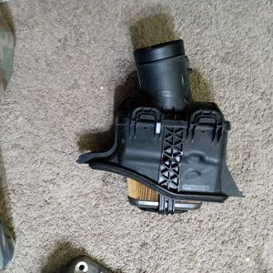 C7 Corvette Stock Intake / Air Filter / Outlet Duct Assembly for Sale in Seattle, WA