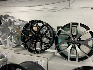 "22"" RIMS AND TIRE ALWAYAYS WE KEEP IN STOCK 100 💯 same as cash 💵 available for Sale in Houston, TX"