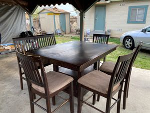 Dining Table and Chairs Set for Sale in Selma, CA