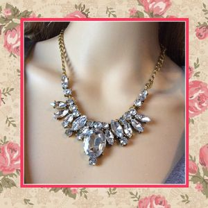 NEW GOLD CHAIN CRYSTAL NECKLACE DIAMOND FAUX RHINESTONE GEMSTONE for Sale in Las Vegas, NV