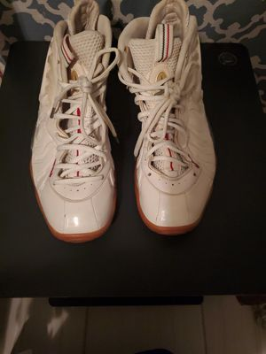Gucci Nike Foamposite size 7y for Sale in Irving, TX