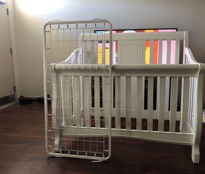 White used baby crib for Sale in Philadelphia, PA