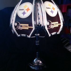 Vintage Pittsburgh Steelers Collector Eddition Glass Lamp. for Sale in Dallas, TX