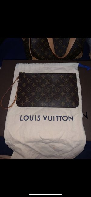 Louis Vuitton pochette for Sale in Fontana, CA