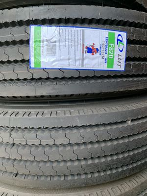 Ling long semi truck trailer commercial tires for Sale in Vernon, CA