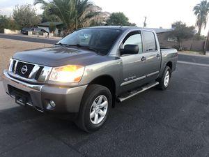 Nissan titán 2014 for Sale in Phoenix, AZ