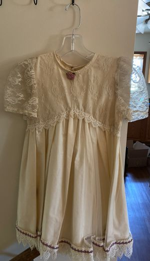Size 6 girls lace dress for Sale in Yorkville, IL