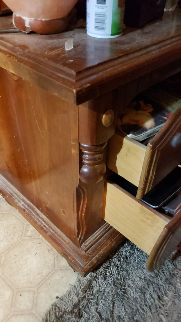 2 heavy duty wood end tables/ night stands