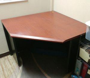 Corner desk for Sale in Crosby, TX