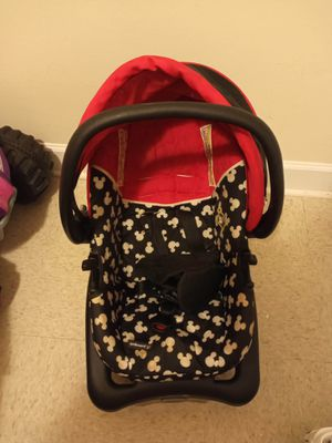 Mickey mouse car seat and base for Sale in Raleigh, NC