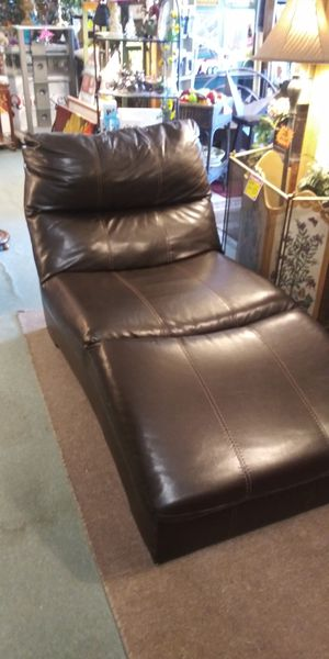 Chaise Lounge for Sale in Lancaster, TX