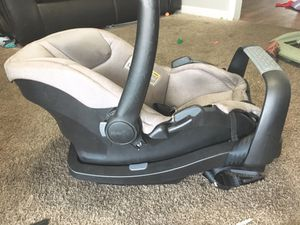 Used Evenflo Infant Car seat an base for Sale in Nashville, TN