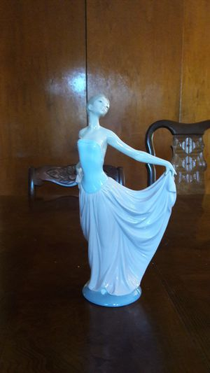 New lladro porcelain figurines for Sale in San Diego, CA