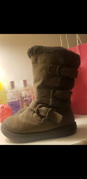 Toddler girl boots 9c for Sale in Moreno Valley, CA