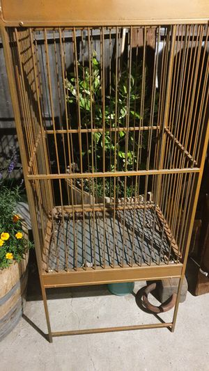 Large bird cage for Sale in HILLTOP MALL, CA