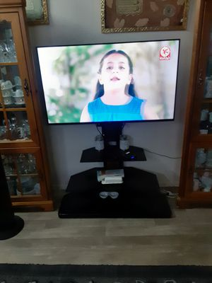 TV 50 INCHES WITH TABLE BRAND NEW for Sale in Glendale, AZ