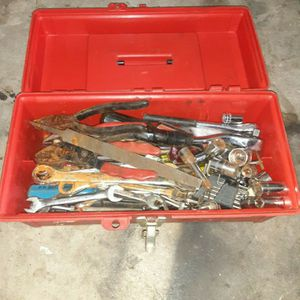 Tools mix includes tool box for Sale in Chula Vista, CA