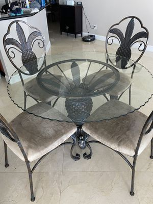 Kitchen table for Sale in Lake Park, FL