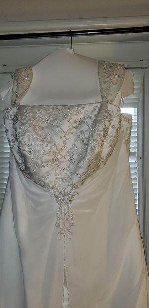 Plus size wedding dress O.B.O for Sale in Taylorsville, UT