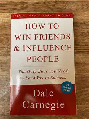 How to win friends and influence people (Paperback) for Sale in Tustin, CA
