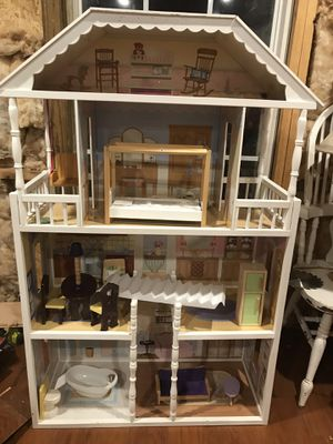 Doll house with furniture for Sale in Nashville, TN