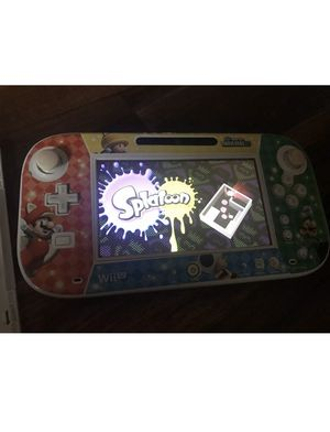 Nintendo Wii U Basic Set 8GB White Handheld System Come With One Game for Sale in El Cajon, CA