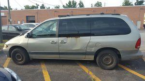 Dodge grand caravan 1999 Runs great Cash only Tailgate door handle broken Mileage 190,000 for Sale in Lorton, VA