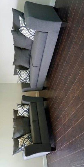 ESPECIAL] Elgin gris sofá y loveseat for Sale in Pflugerville, TX
