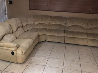 Sectional Sleeper Sofa for Sale in Miami Gardens,  FL
