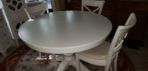 Crate and Barrel kitchen table and 5 chairs for Sale in Fairfax Station, VA