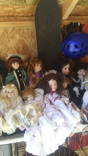 Porcelain Doll Collection for Sale in Hermon, ME