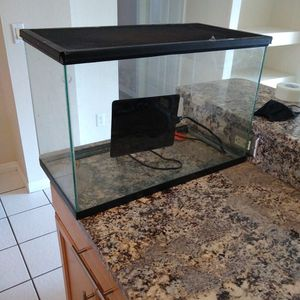 20 Gallon Tank Aquarium With Lid Heat Pad for Sale in Winter Springs, FL