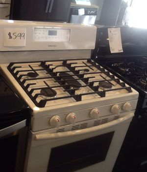 New open box Samsung gas range for Sale in Whittier, CA