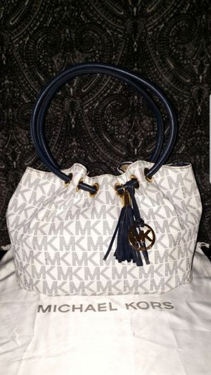 Medium East West Ring Tote In Signature Navy Blue Purse for Sale in San Diego, CA