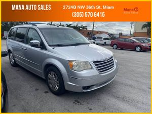 2008 Chrysler Town & Country for Sale in Miami, FL