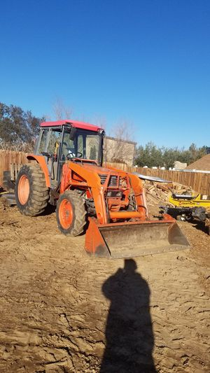 Tractor work for Sale in Victorville, CA
