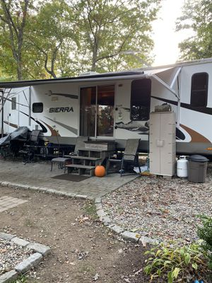 2010 Sierra 40ft destination trailer for Sale in Plainfield, CT