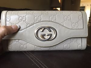 Authentic Gucci wallet for Sale in Berkeley, IL