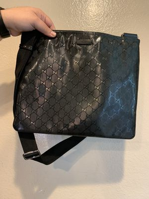 Black Gucci Messenger bag for Sale in Chino, CA